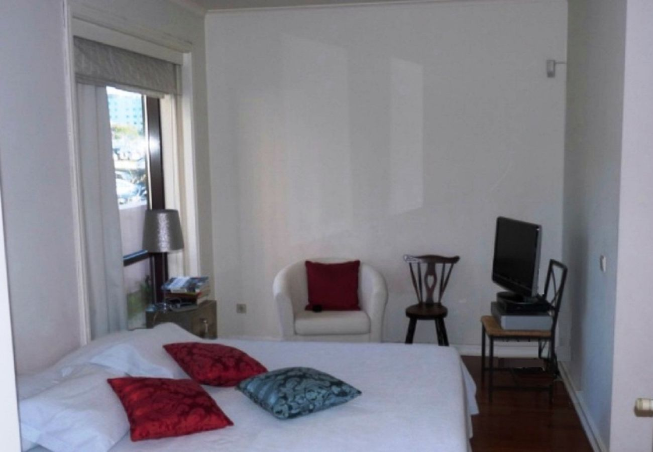 Apartment in Lisbon - LS Firmino Miguel