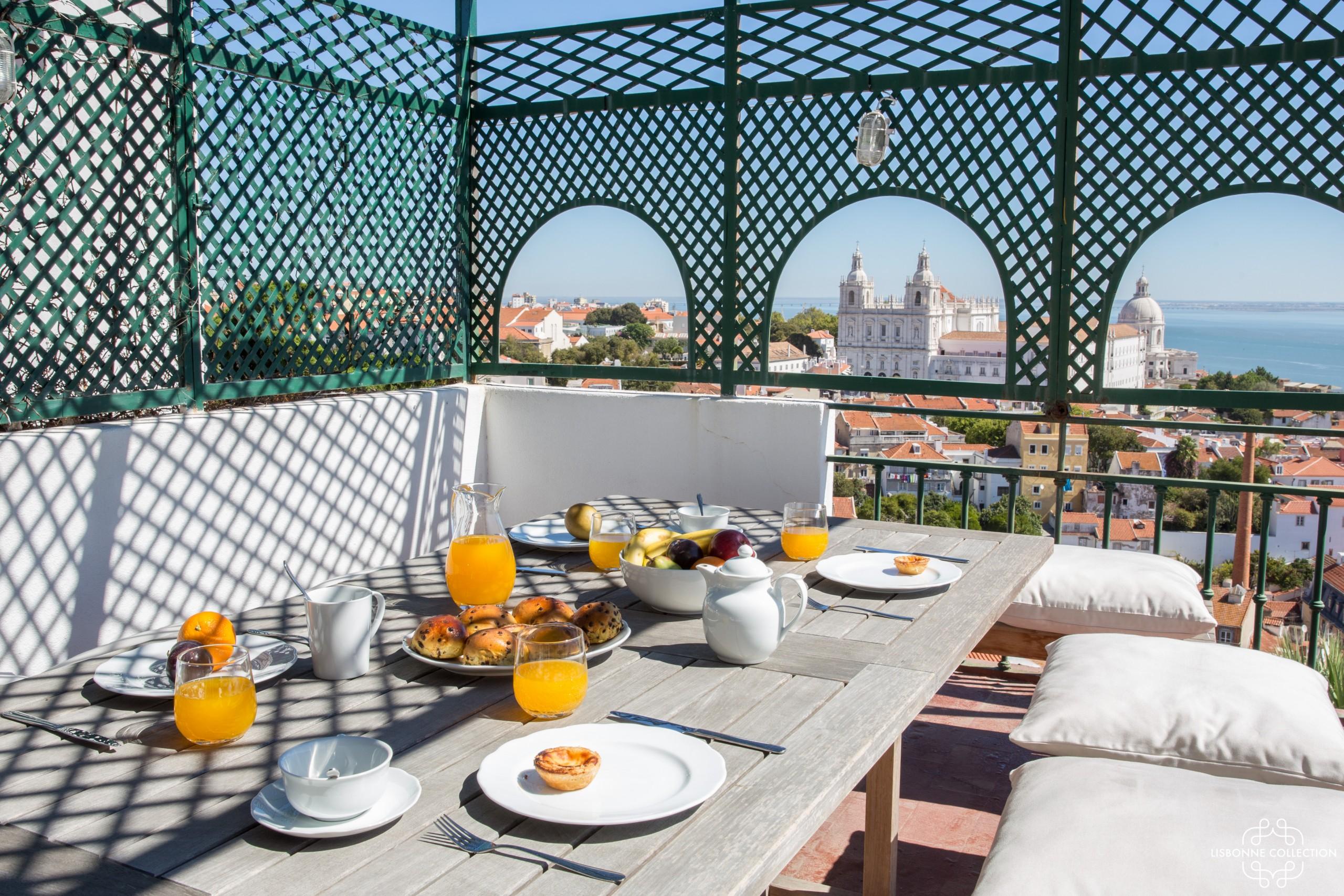 Penthouse Terrace 360º Lisbon View 1 by Lisbonne ...