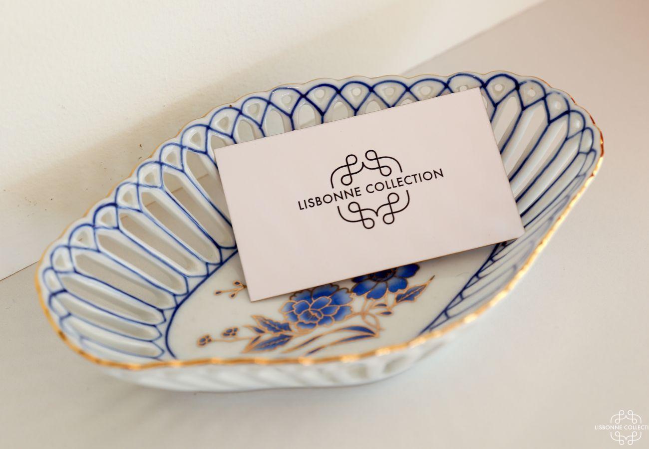 Ceramic decoration with luxury linen cardboard