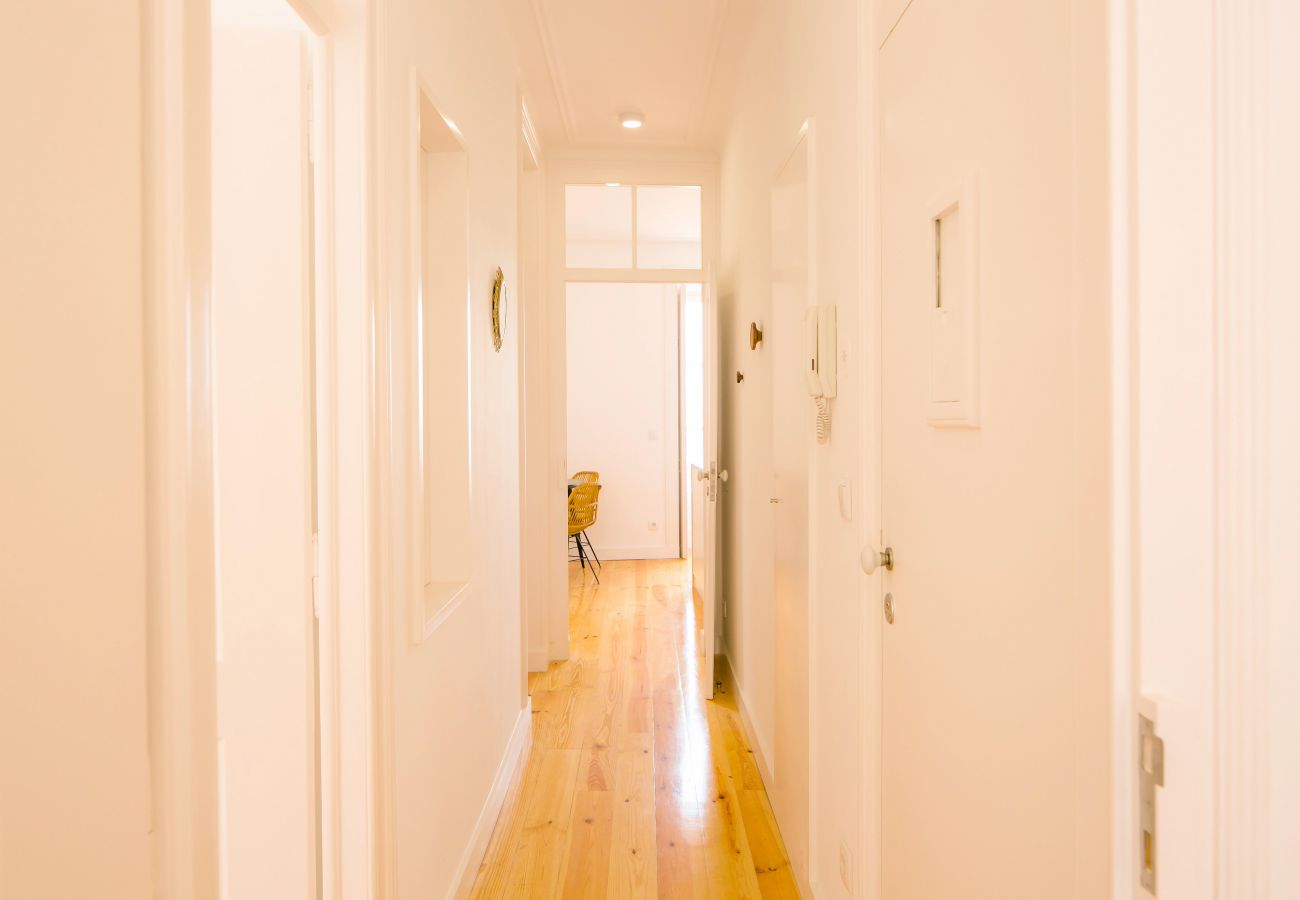 large luxury hallway in the middle of the rental apartment