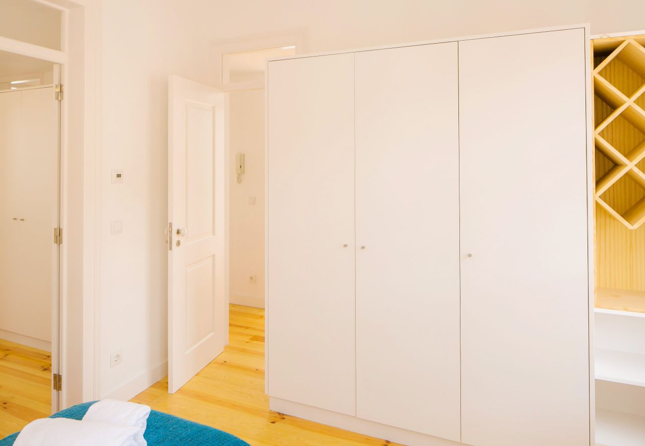 very bright room with access to the main corridor in Lisbon