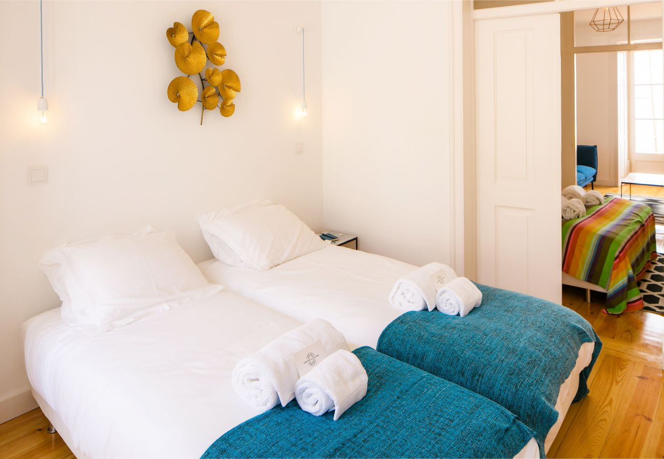 room with 2 single beds ideal with friends or family