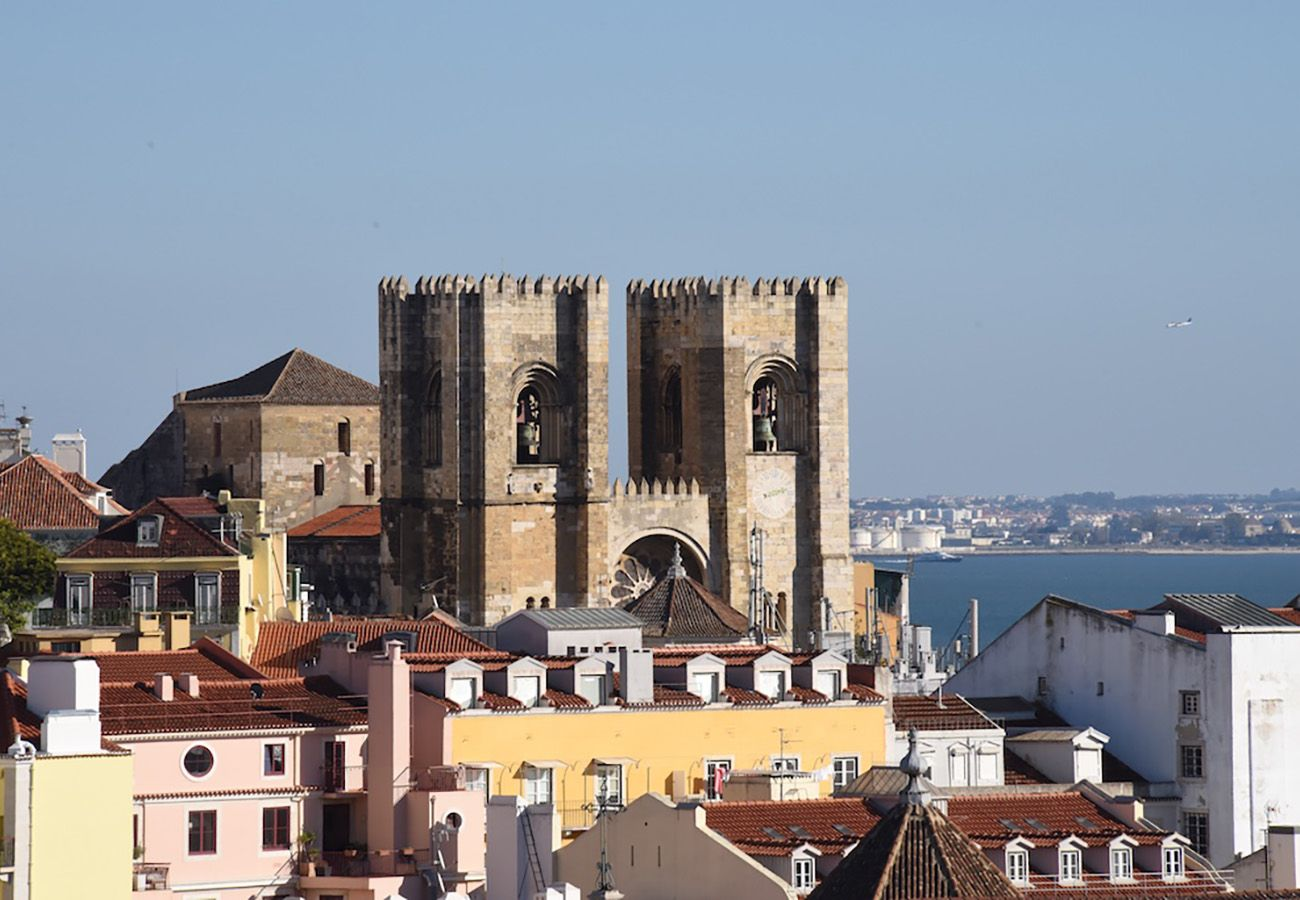 Apartment in Lisbon - Alfama Balcony River View 11 by Lisbonne Collection