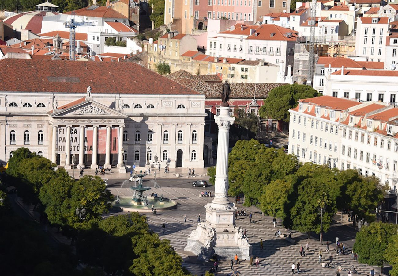 Great square Lisbon ideal for holidays with friends or family