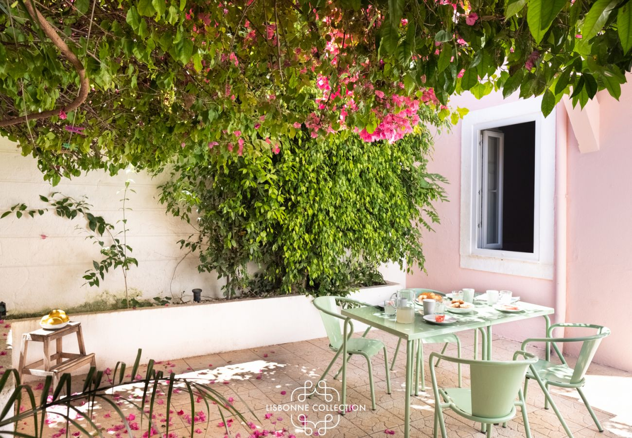 Apartment in Lisbon - Private Terrace Apartment in Historic Centre 3 by Lisbonne Collection