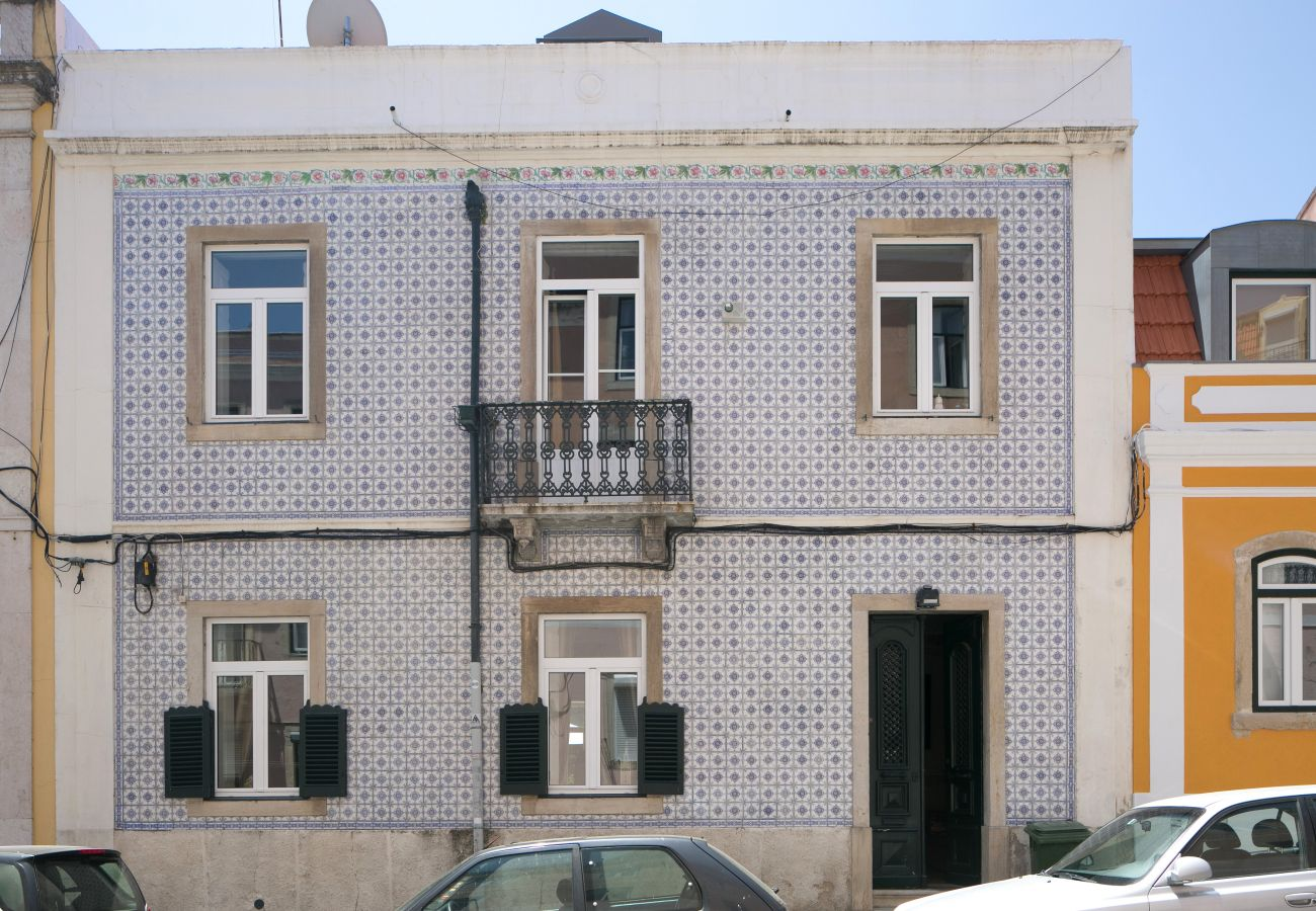 House in Lisbon - Garden Mansion in Historic Centre 4 by Lisbonne Collection