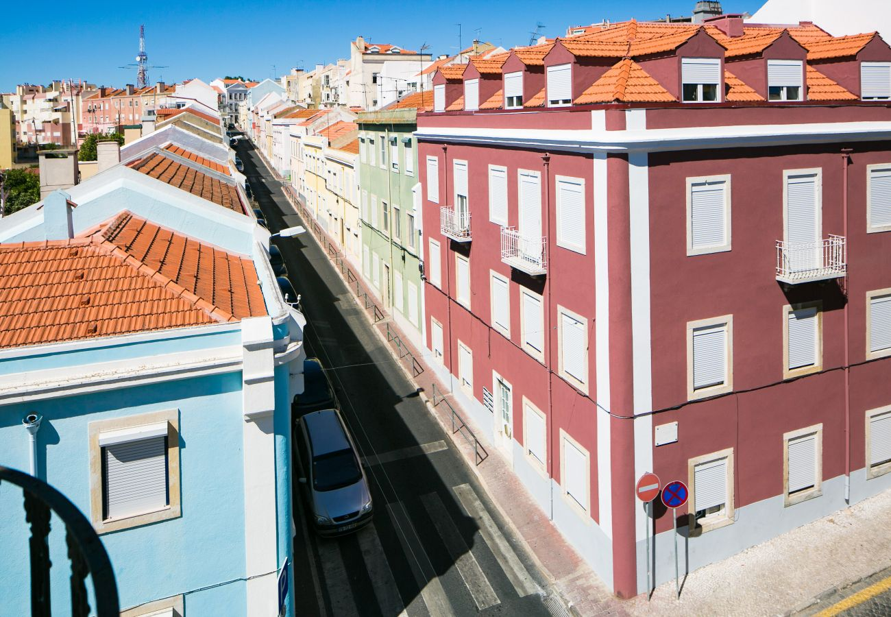 Apartment in Lisbon - Classic and Comfortable Topfloor Apartment 13 by Lisbonne Collection