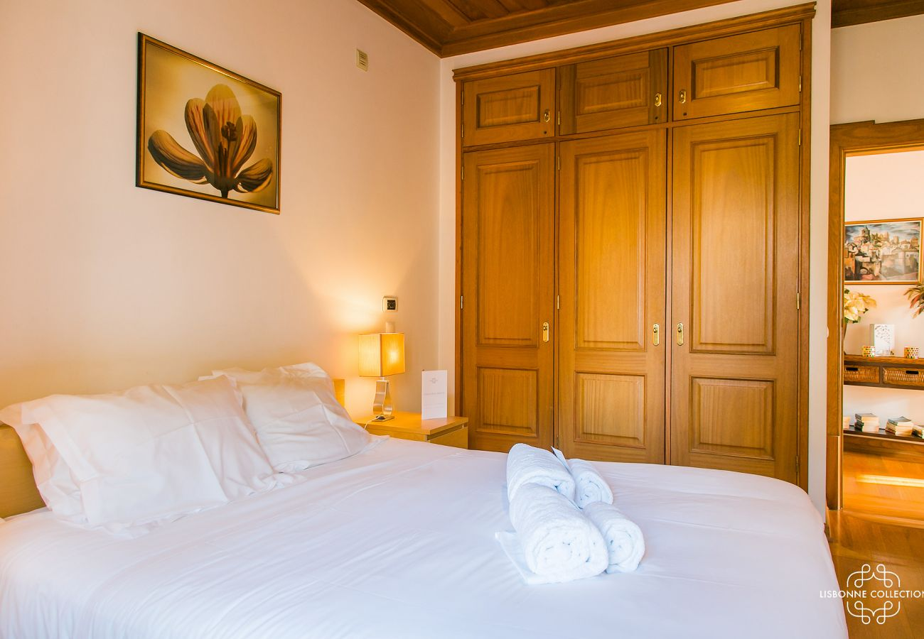 Upscale room with external access for rent in Lisbon