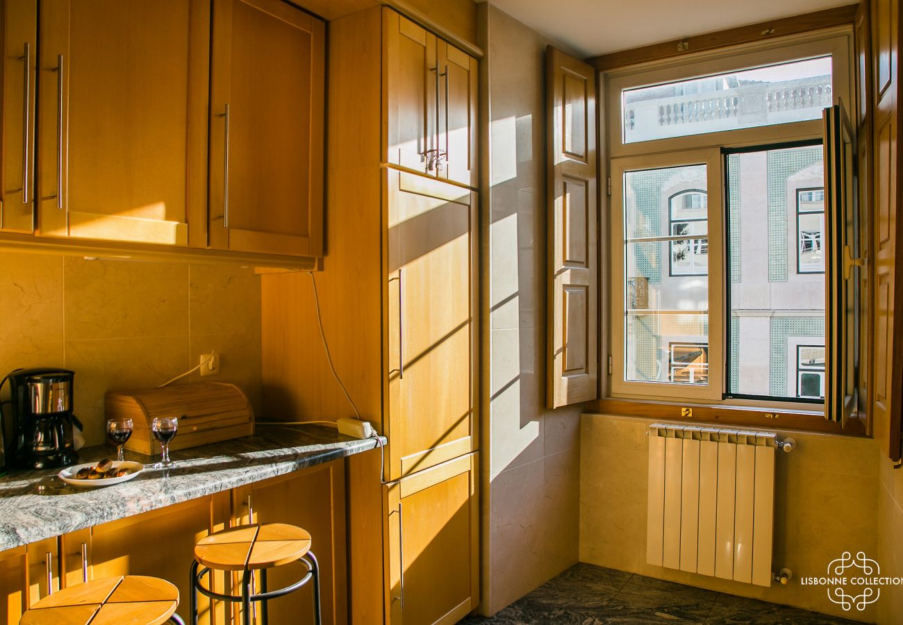 Large fully equipped kitchen with views of the castle district