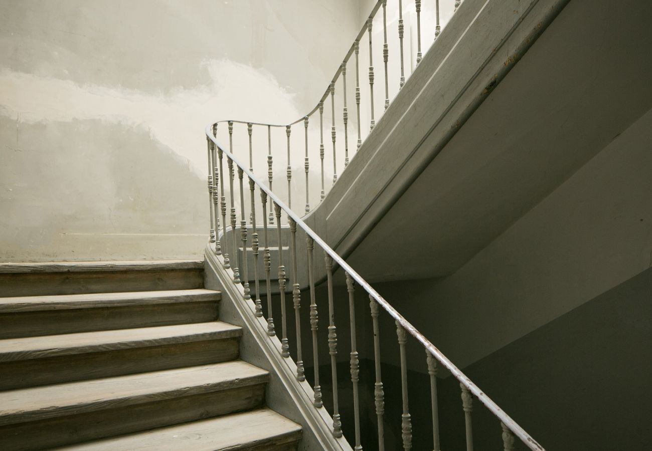 Large typical and prestigious stairwell in the heart of Chiado in Lisbon