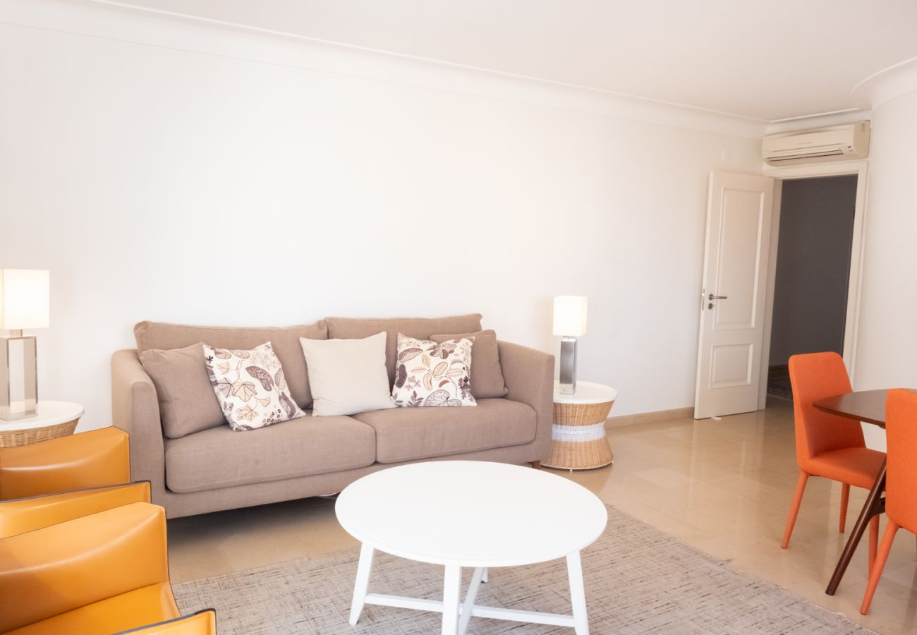 Apartment in Lisbon - Stylish and Beautiful Apartment with Parking  24 by Lisbonne Collection