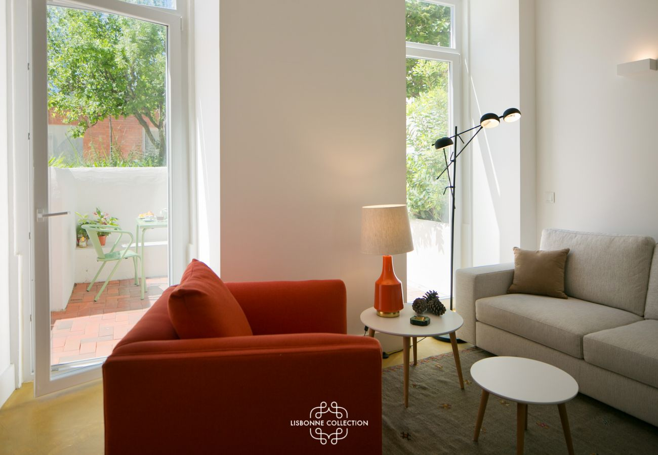 Apartment with outdoor access to a garden with Tagus view