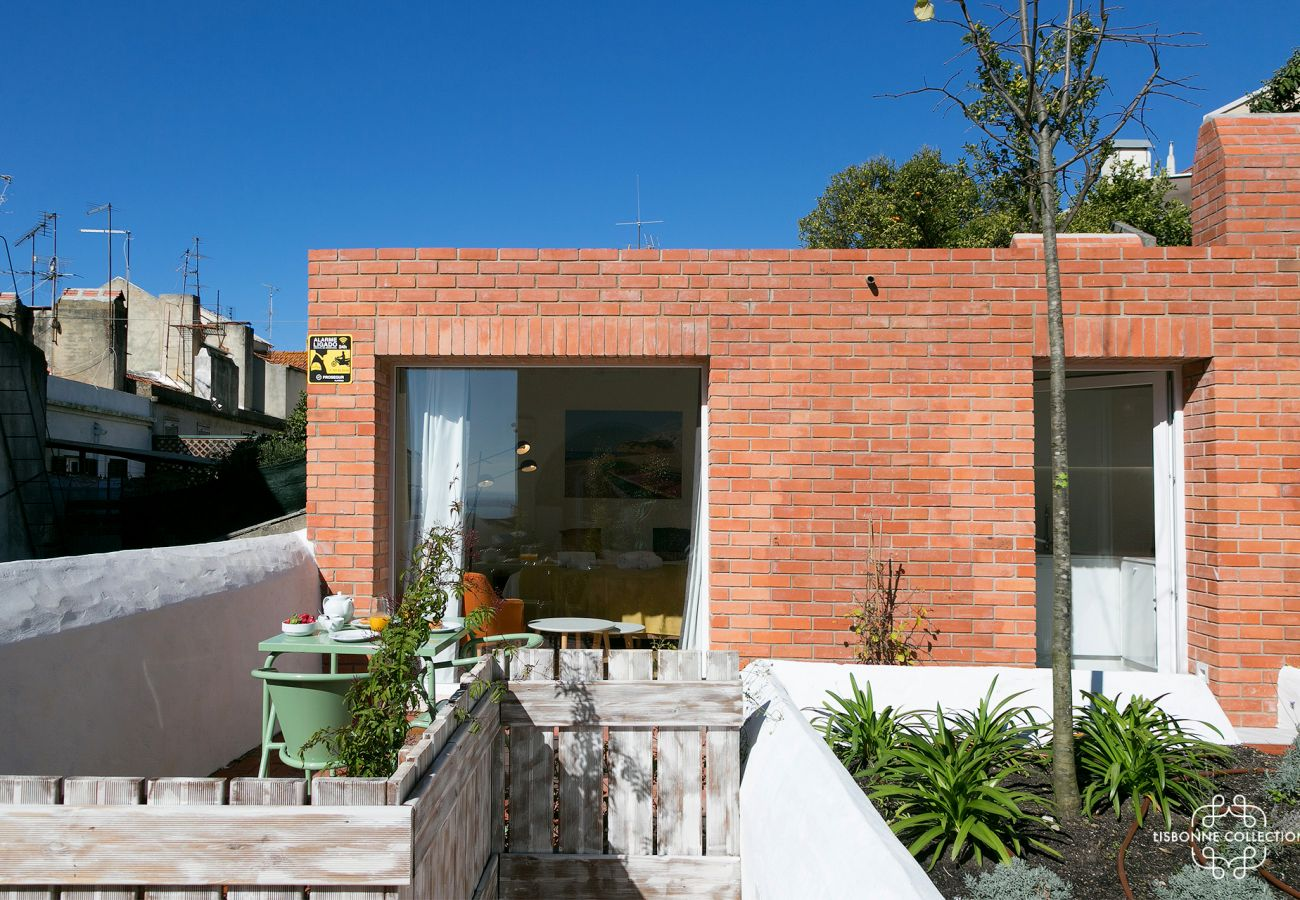 2 rooms in the district of Graça in Portugal