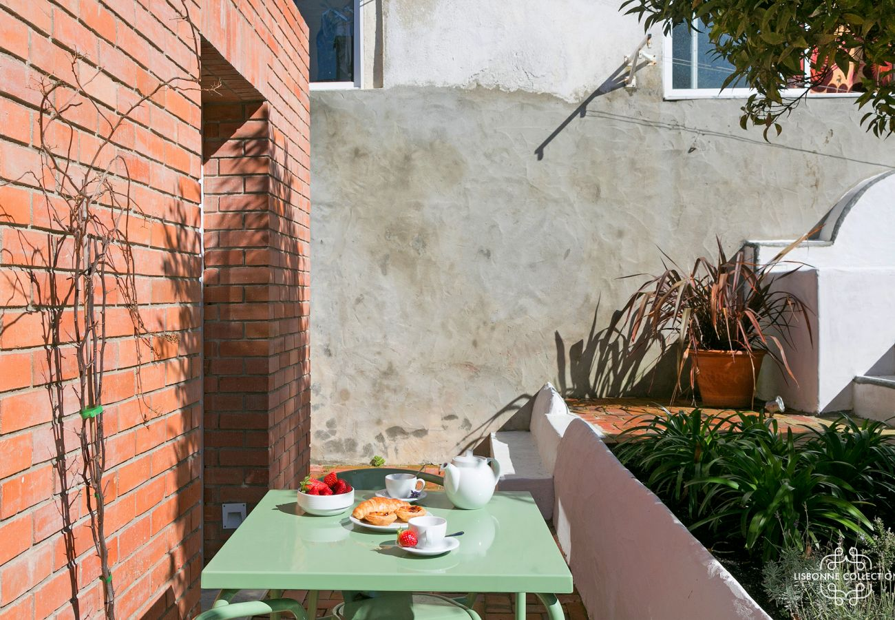 Terrace rental studio in the Portuguese capital for holidays