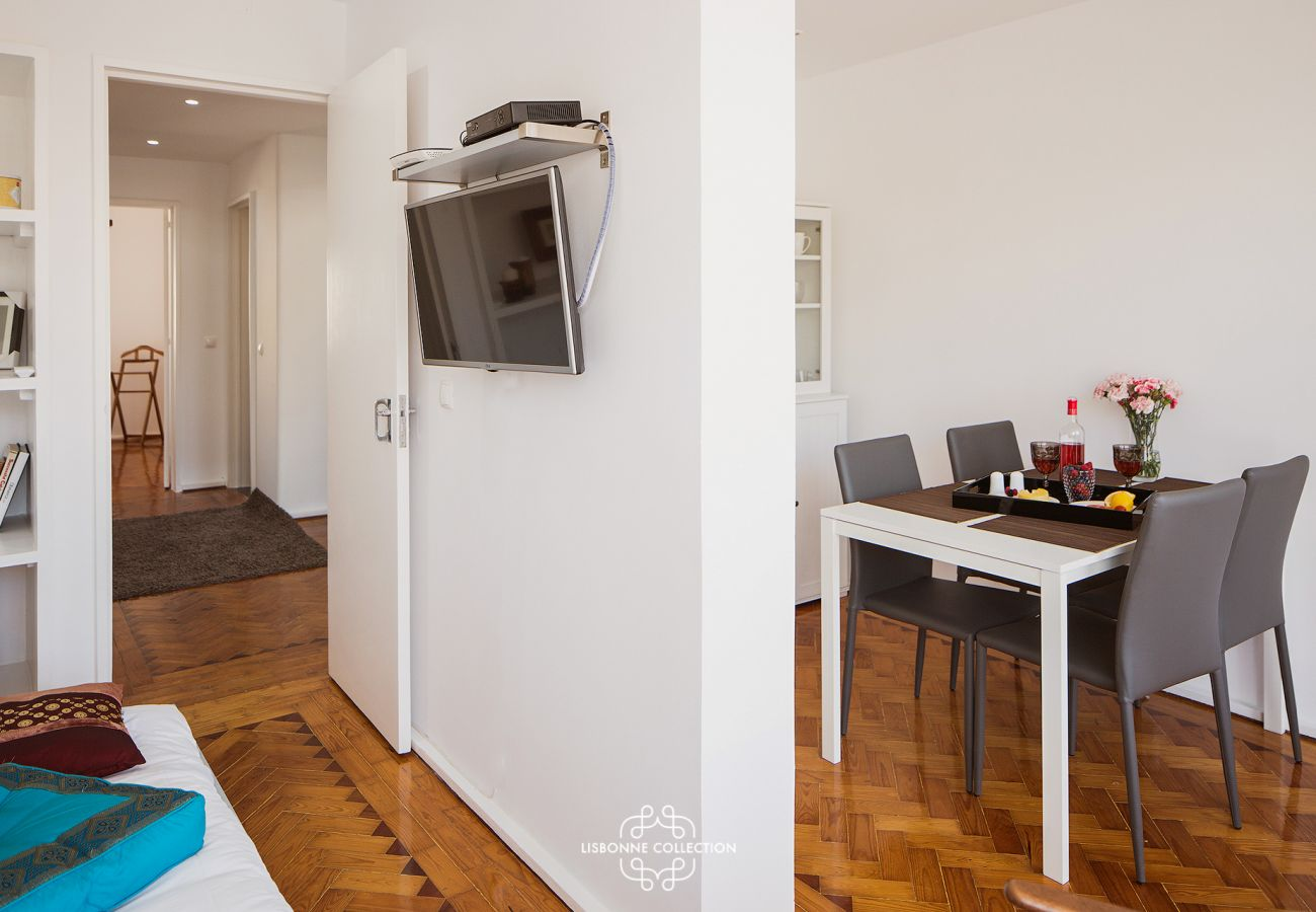 Rental housing fully equipped with TV set-top box and wifi