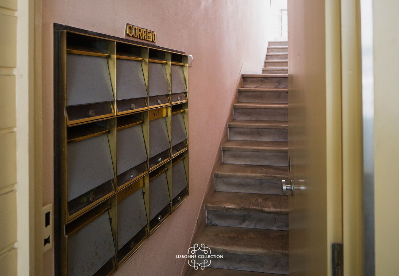 Stairs giving access to the apartment for rent in the heart of Lisbon