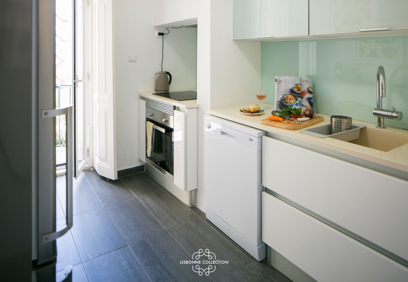 Large bright and spacious fully equipped kitchen