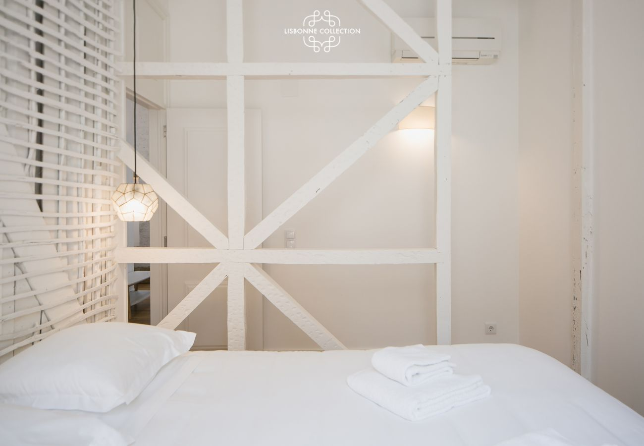 Double room for rent in Lisbon for family holidays