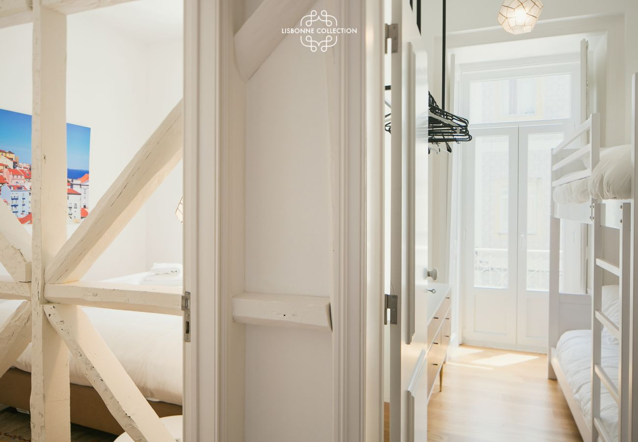 Access to bedroom and main corridor from the entrance