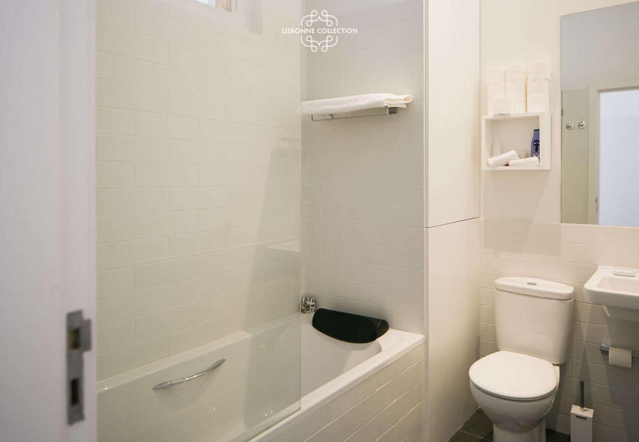 Shower room with bath and bathroom towels