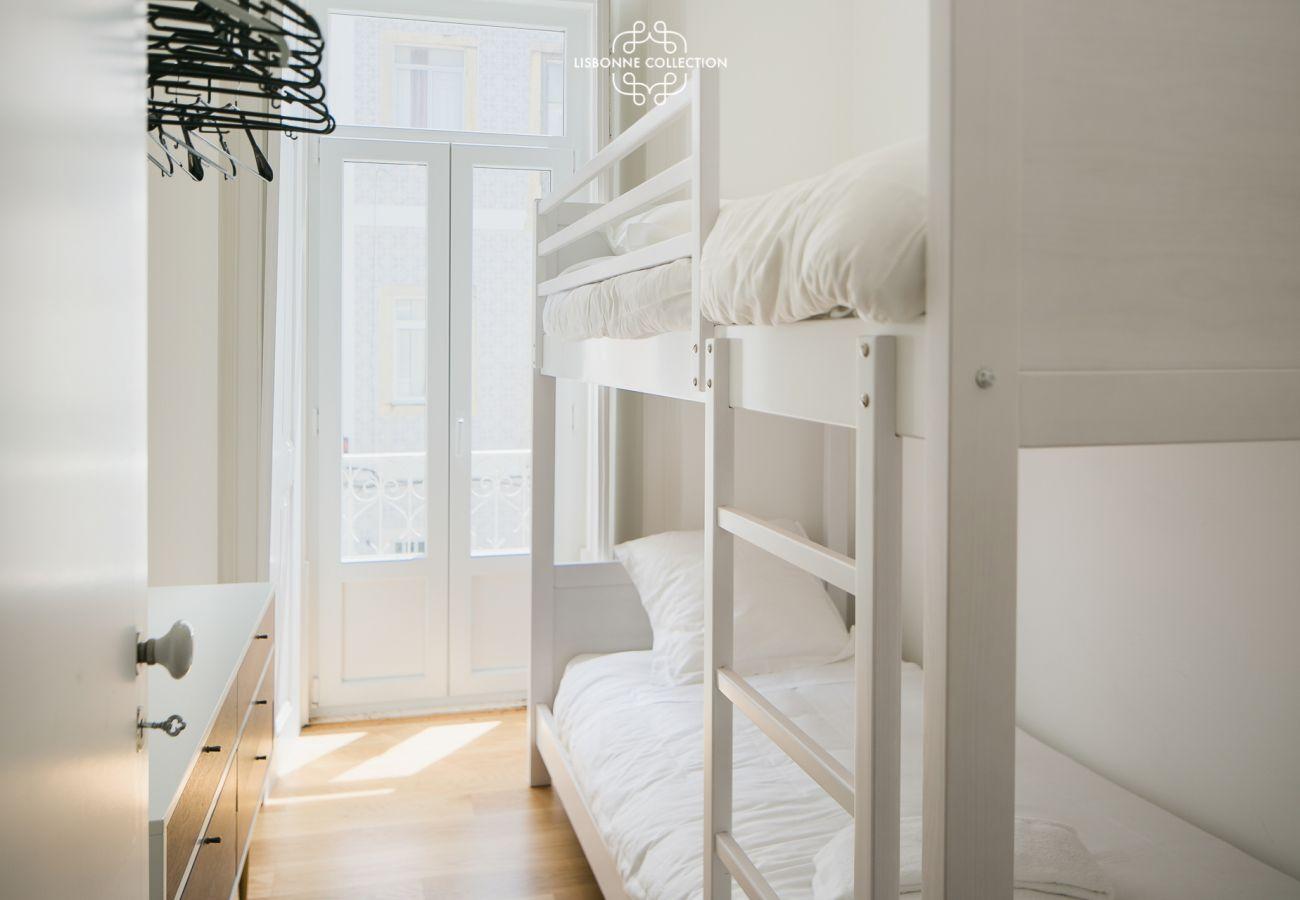 Children's room with luxury loft bed