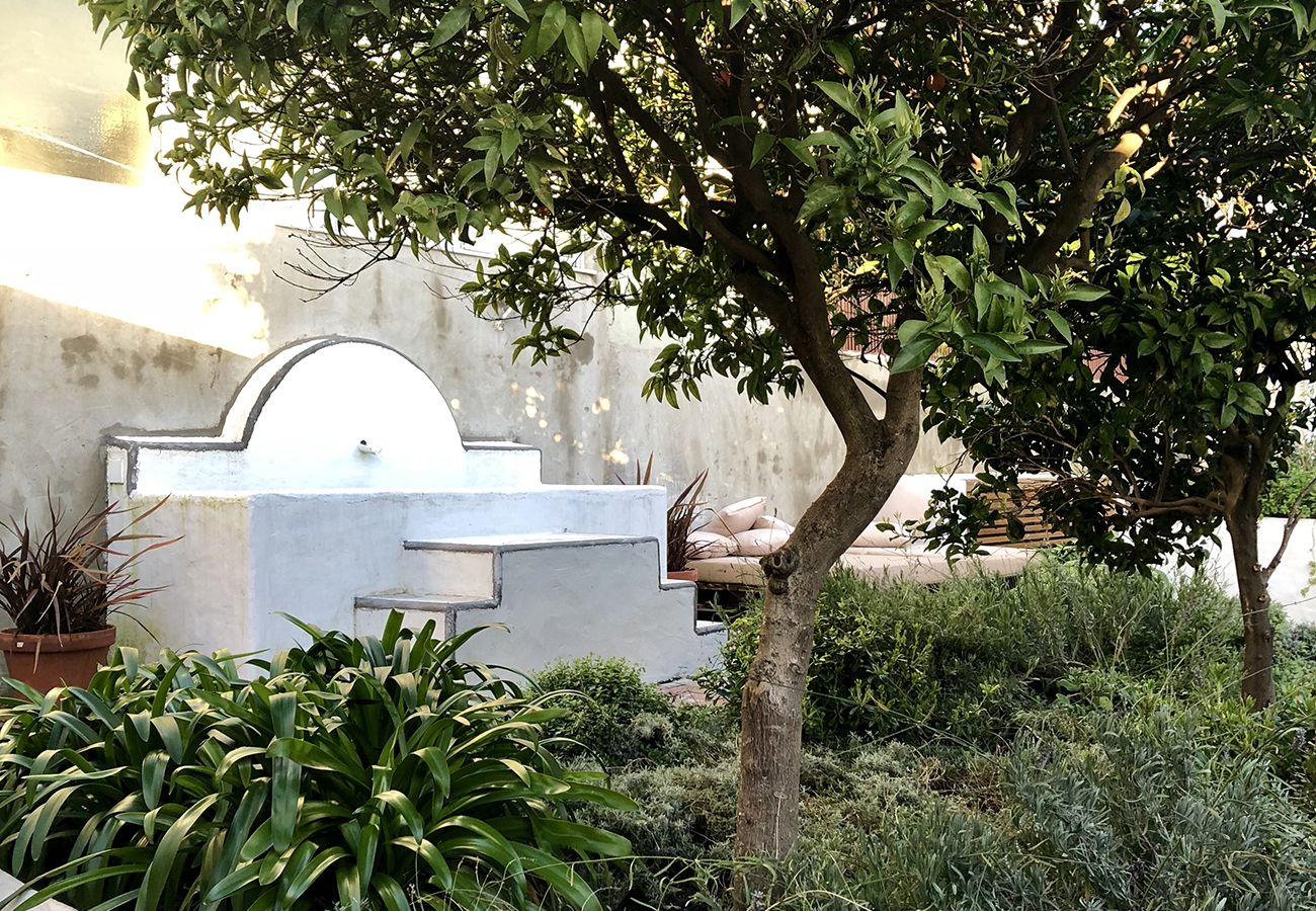 Apartment in Lisbon - Garden Quiet and Modern Apartment 31 by Lisbonne Collection