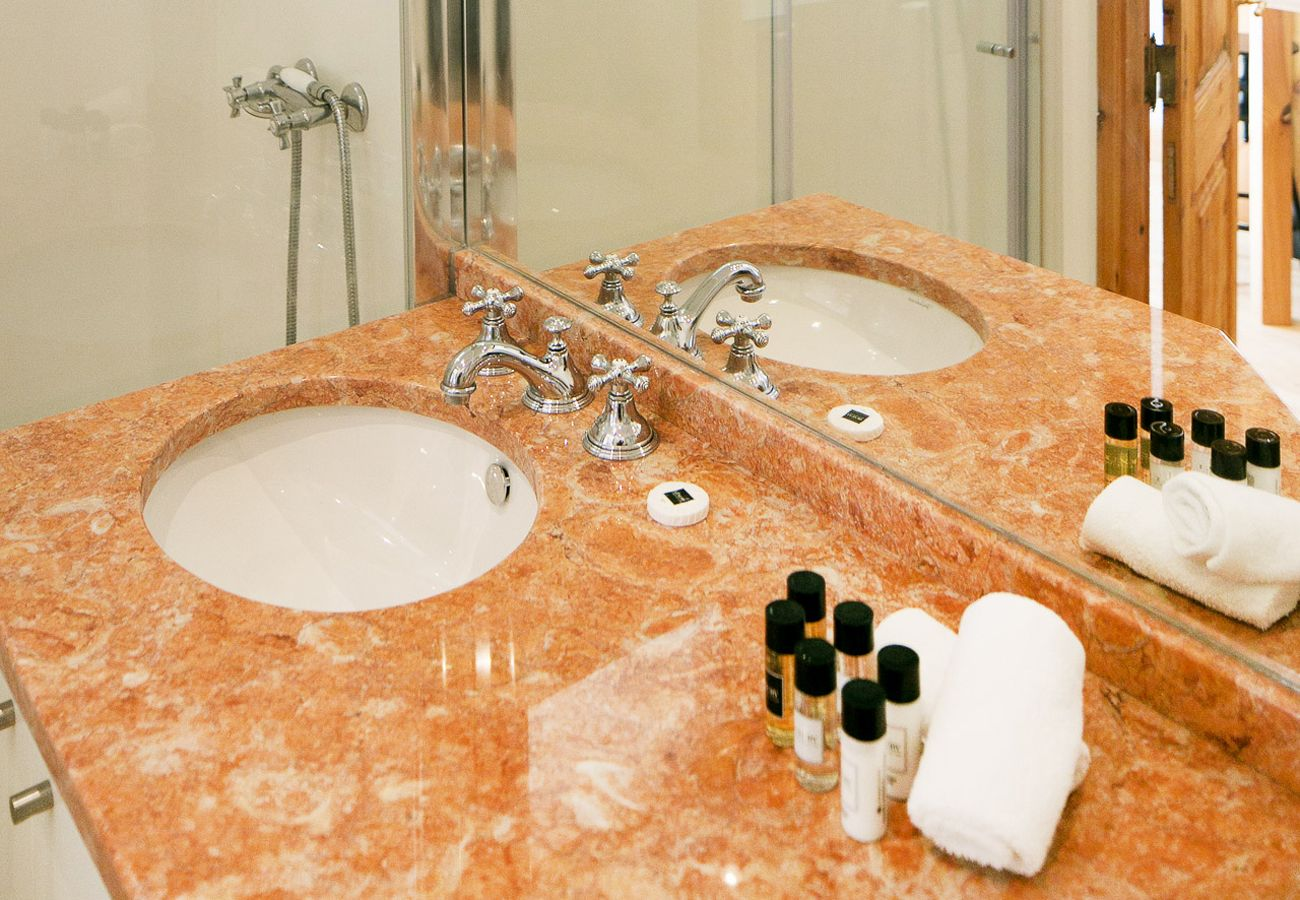 High-end marble bathroom set up by Lisbon Collection