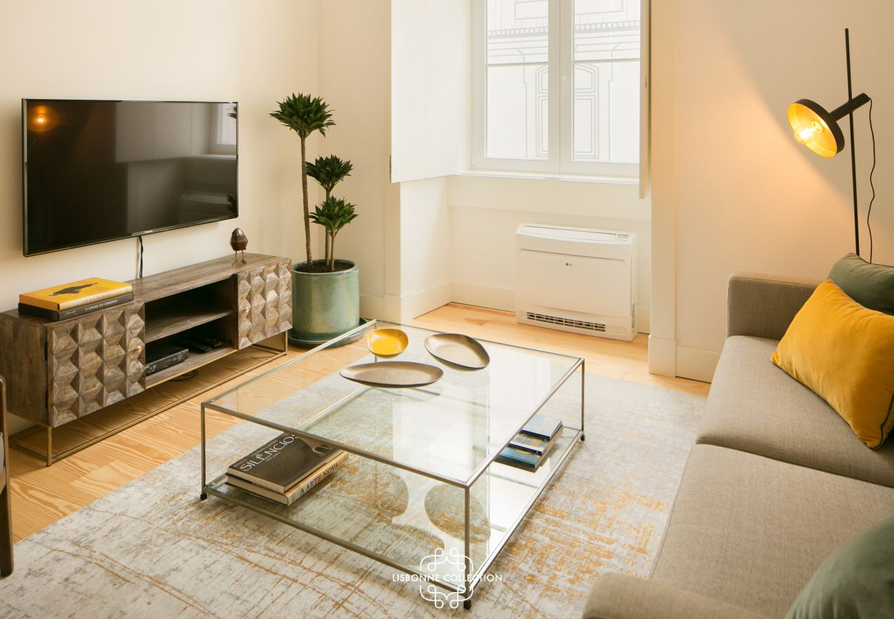 Apartment in Lisbon - Downtown Sleek Apartment 65 by Lisbonne Collection