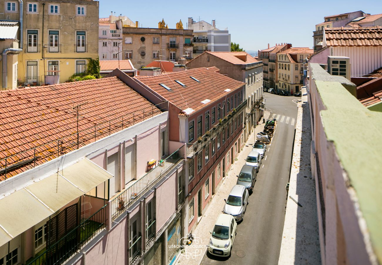 Apartment in Lisbon - Central Modern and Bright Rooftop Apatment 59 by Lisbonne Collection