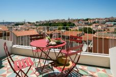 Apartment in Lisbon - Central Modern and Bright Rooftop...