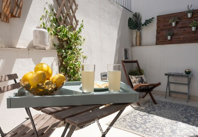 Apartment in Lisboa - One Bedroom with Terrace in Alfama Centre 75 by Lisbonne Collection