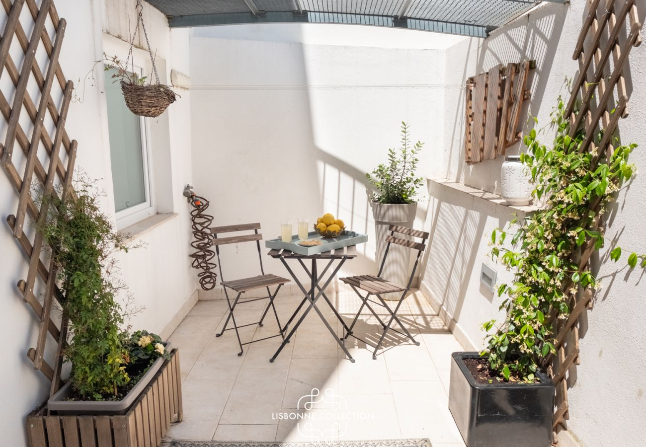 Apartment in Lisbon - One Bedroom with Terrace in Alfama Centre 75 by Lisbonne Collection