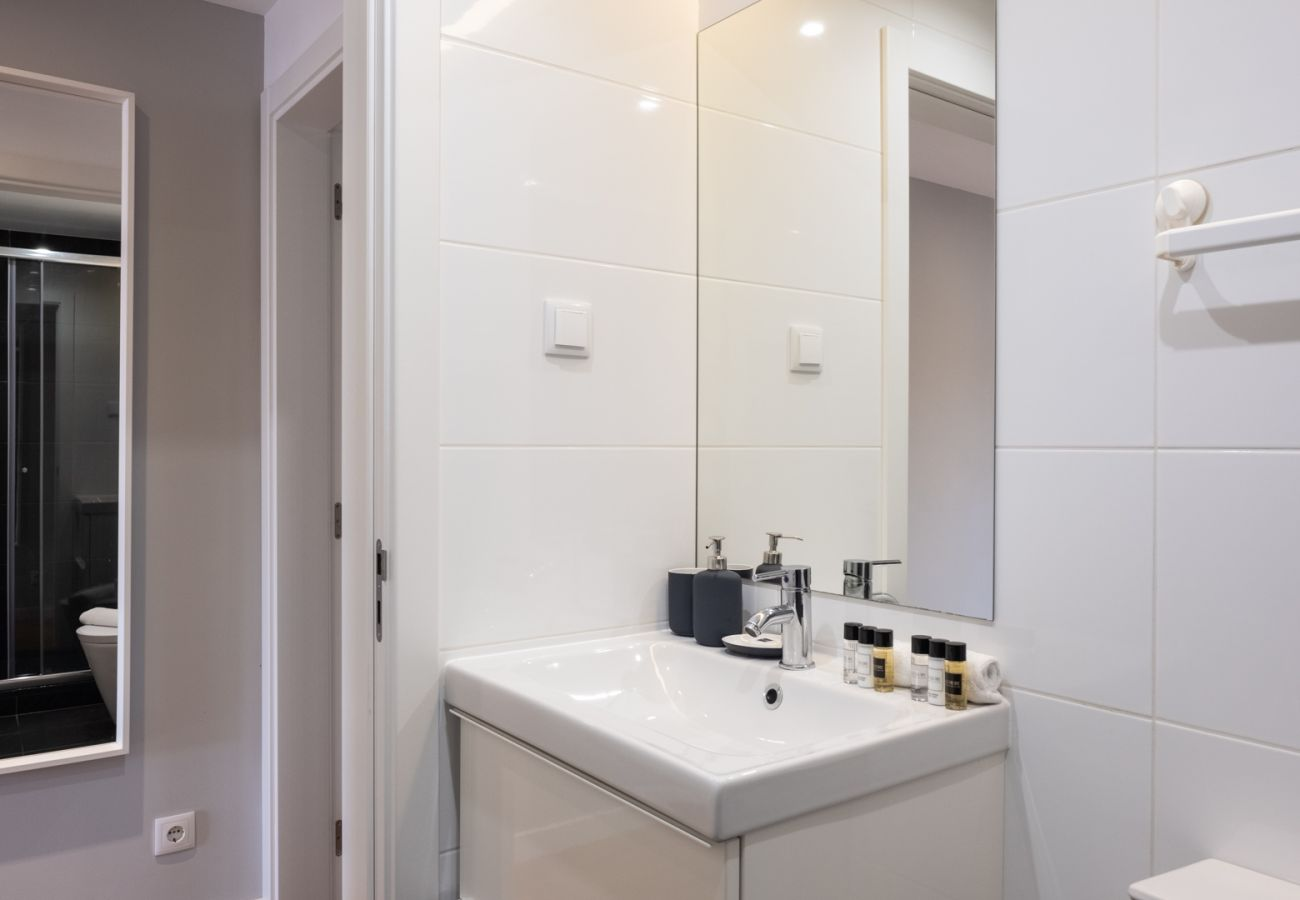 Apartment in Lisbon - Bright american style in the city center 76 by Lisbonne Collection
