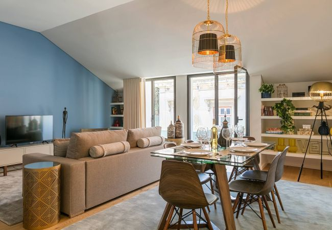 in Lisboa - Very central and cool 2 bed apartment with balcony & parking 77 by Lisbonne Collection
