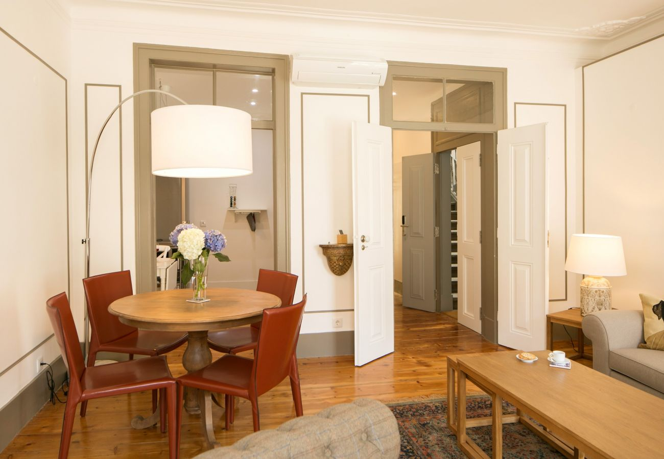 Apartment in Lisbon - Classic and Trendy Apartment 20+21 by Lisbonne Collection